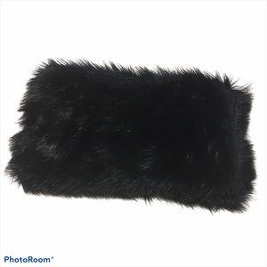 NWOT Ann Taylor Loft Black Faux Fur Cowl Scarf.